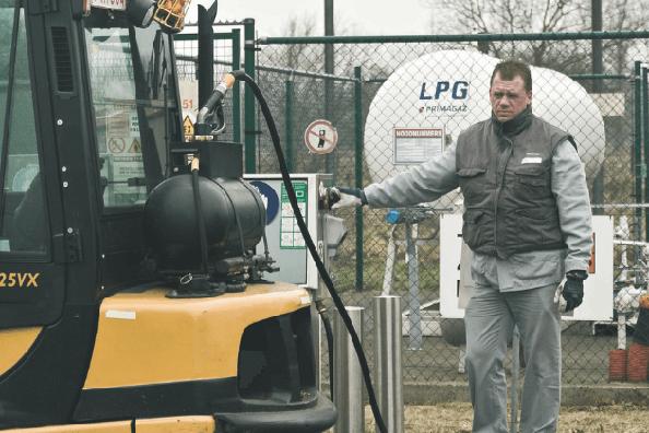 Propaan voor heftrucks: aparte gastank met zuil